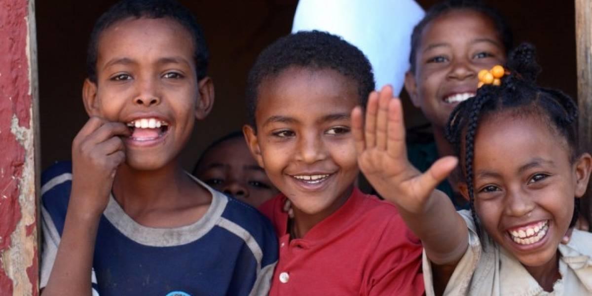 Niños etíopes analfabetos hackean una Motorola Xoom