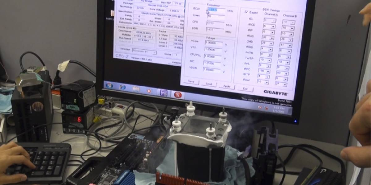 Récord mundial: Llevan CPU Intel Ivy Bridge hasta los 7,03GHz