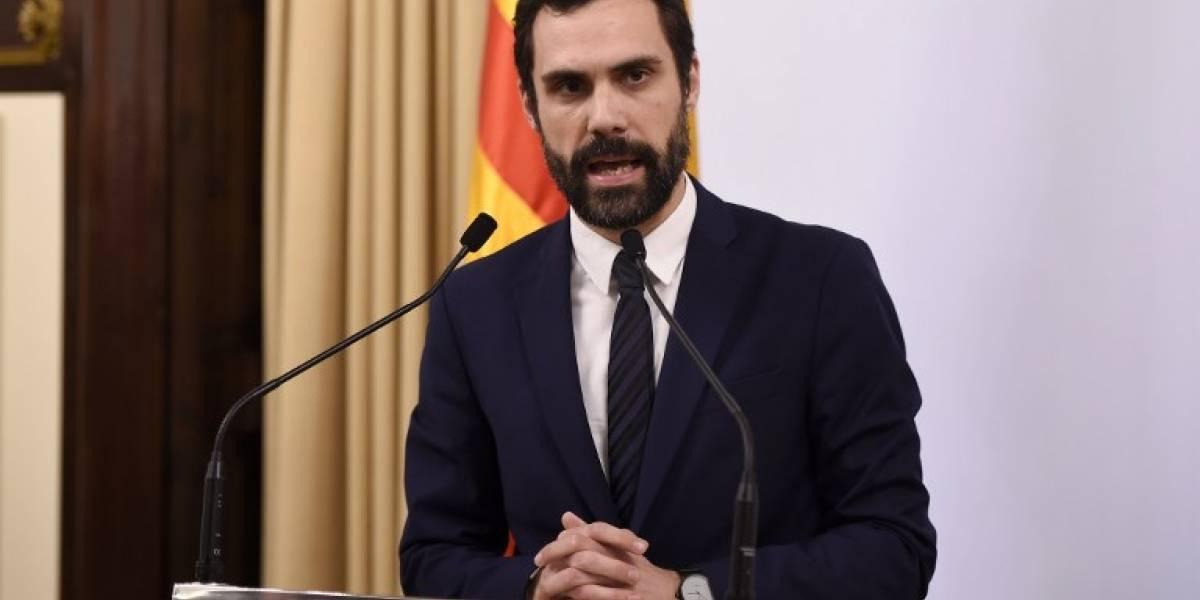 Parlamento de Cataluña pospone el pleno para investir a Puigdemont