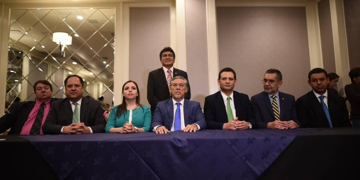 """Presentan """"planilla de unidad"""" para nueva junta directiva del Congreso"""