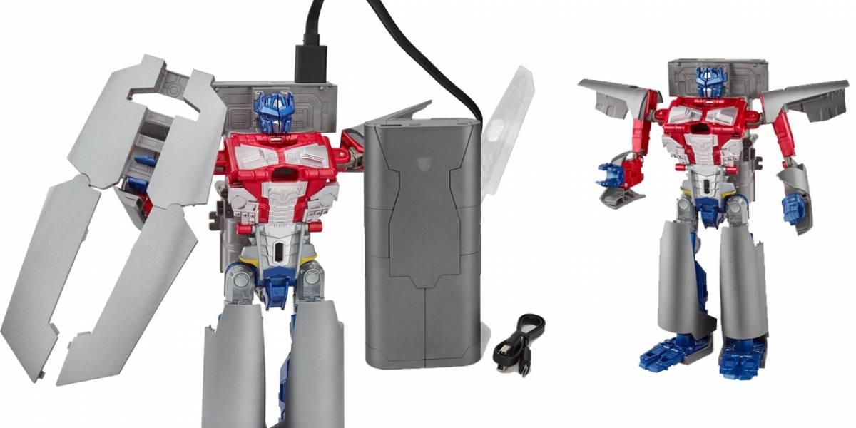 Hasbro venderá un Power Bank que se transforma en Optimus Prime