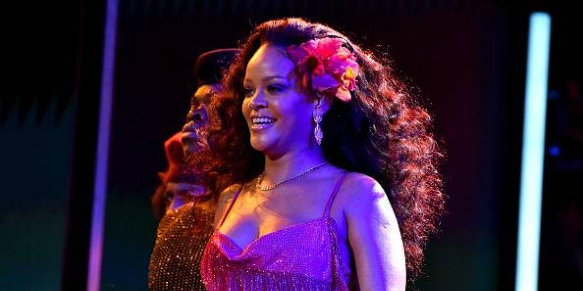 Rihanna desata rumores de embarazo después de su actuación en los Grammys 2018