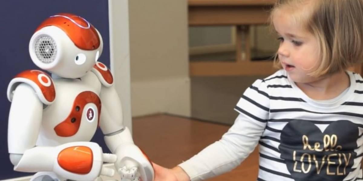 Científicos desarrollan robot social que enseña idiomas a niños