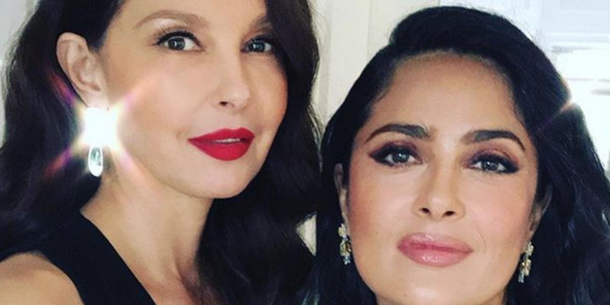 Salma Hayek 'sufre' con el reto de Ashley Judd