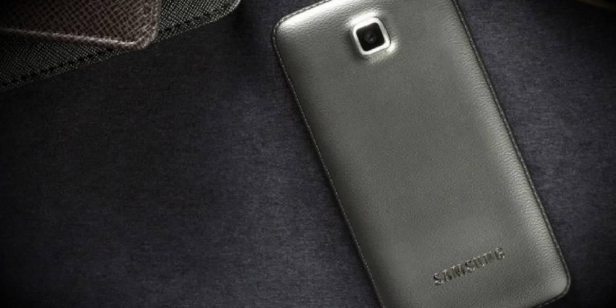 "Samsung lanza nuevo teléfono con formato ""clamshell"""