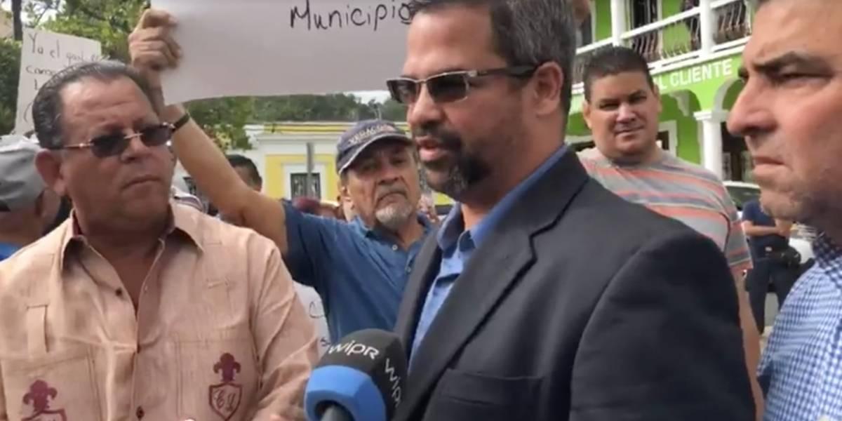 Alcaldes se quedan plantados esperando por AEE