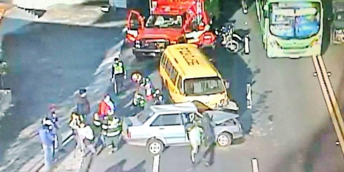 Congestión vehicular tras accidente de tránsito en Miravalle