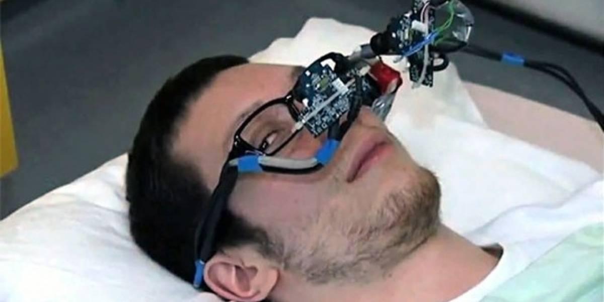 Crean dispositivo de bajo costo para controlar el PC con los ojos