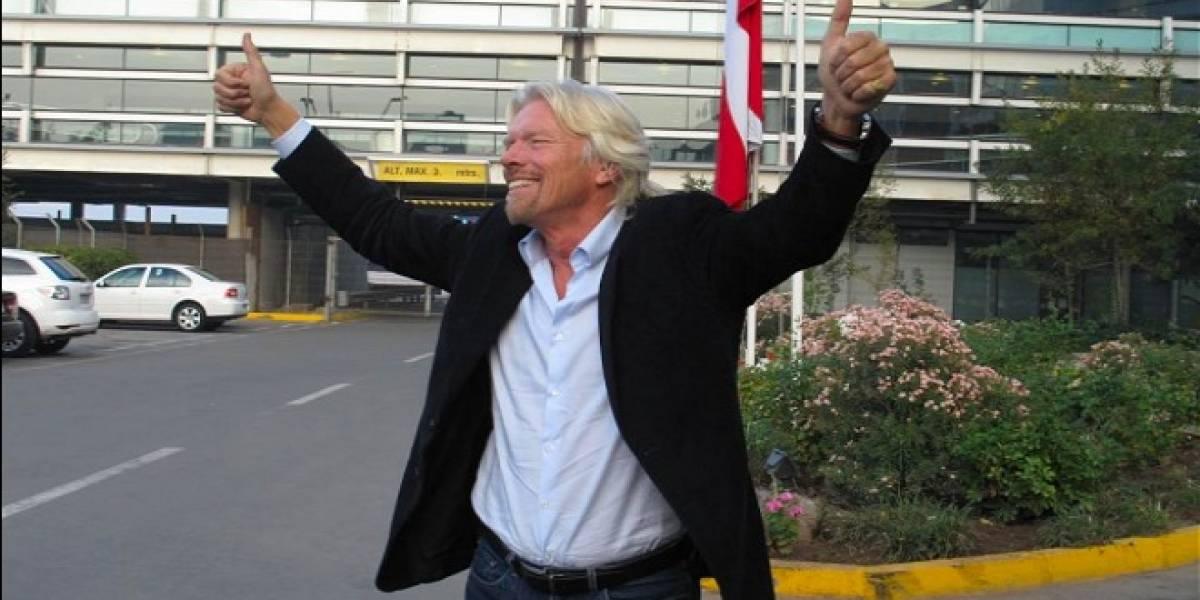 Richard Branson ya está en Chile para inaugurar las operaciones de Virgin Mobile