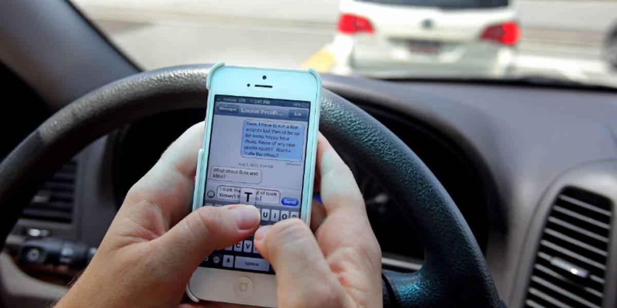 Hasta 10 años de cárcel a quien provoque un accidente por usar el celular