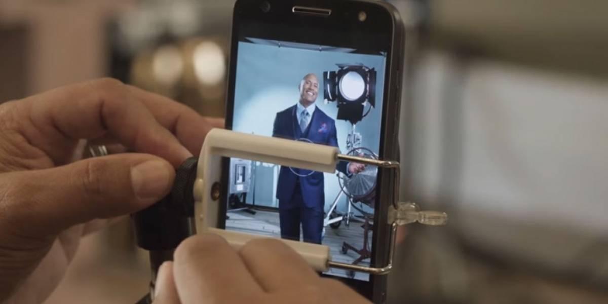 Popular revista utiliza un Moto Z con Moto Mods para tomar la foto de portada