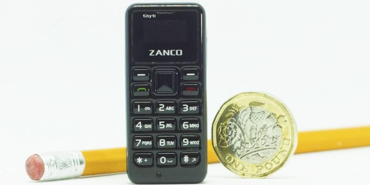 """Este es el teléfono """"tonto"""" más pequeño del mundo"""
