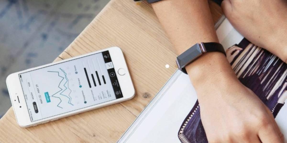 Esta pulsera monitorea tu nivel de estrés y tus emociones