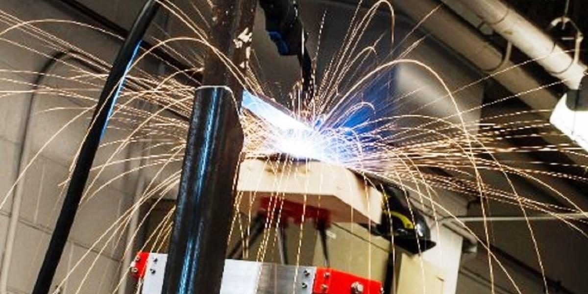 Desarrollan impresora 3D de bajo costo que imprime en acero