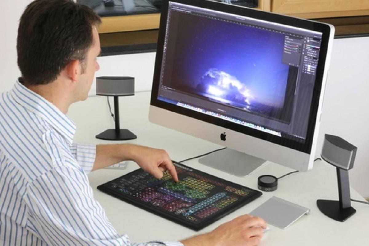 Diseñan teclado de 319 teclas para trabajar rápido con Photoshop