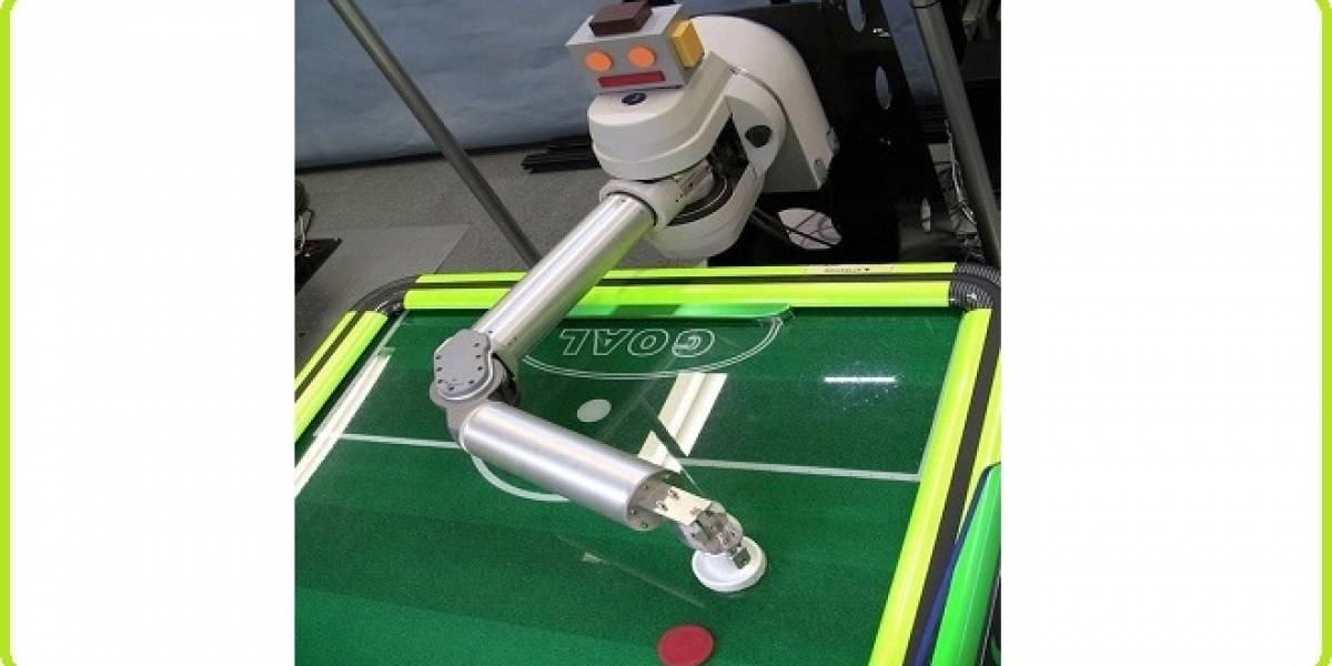 Este robot aprende de tus movimientos para derrotarte en hockey de mesa
