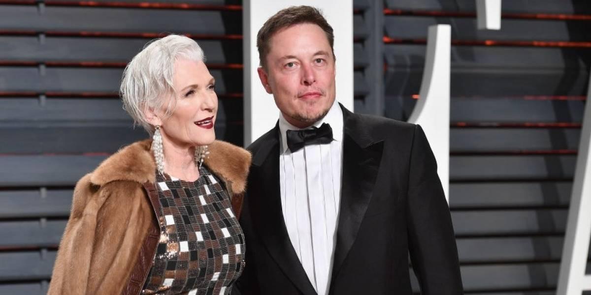 Mãe do bilionário Elon Musk faz sucesso como modelo nas passarelas aos 69 anos
