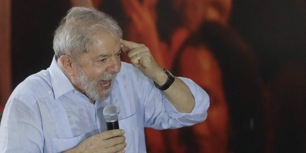 Juez brasileño ordena que a Lula le sea devuelto pasaporte