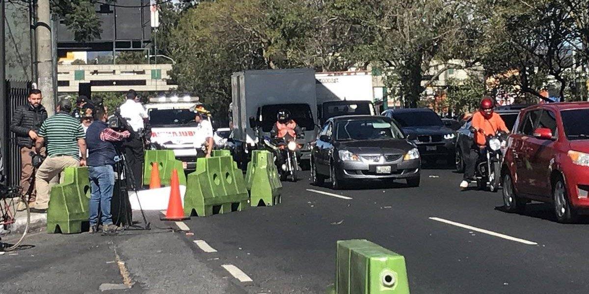 Mujer muere tras ser atropellada por autobús en la calzada Roosevelt