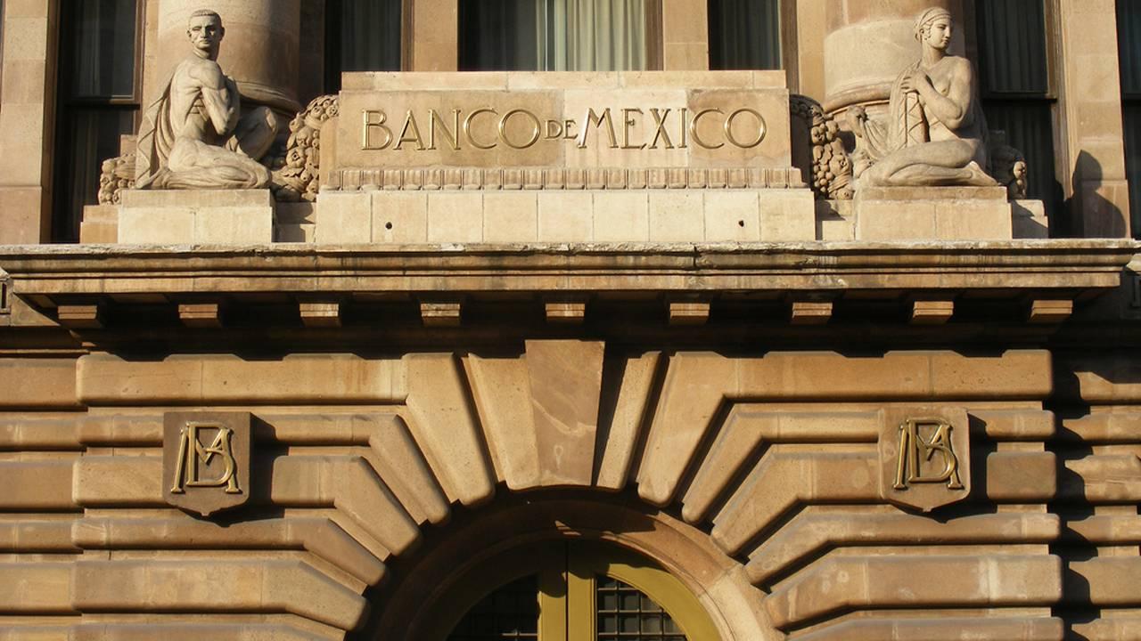 La organización financiera central de México rehusa que sus sistemas hallan sufrido un ciberataque, culpan a las otras instituciones del país.