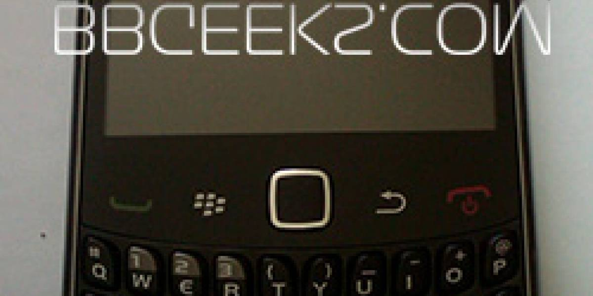 Una nueva imagen de la BlackBerry Curve 9300 (ahora con el logo de T-Mobile)