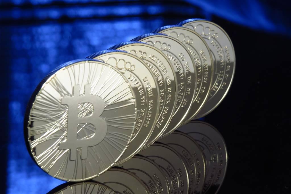 Hackers amenazan a usuarios con filtrar videos íntimos si no pagan en bitcoin