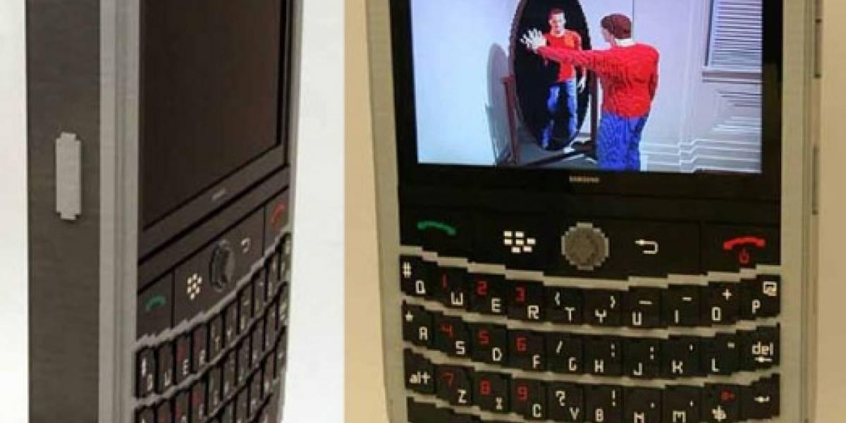BlackBerry gigante de LEGO tiene pantalla LCD pero no llama