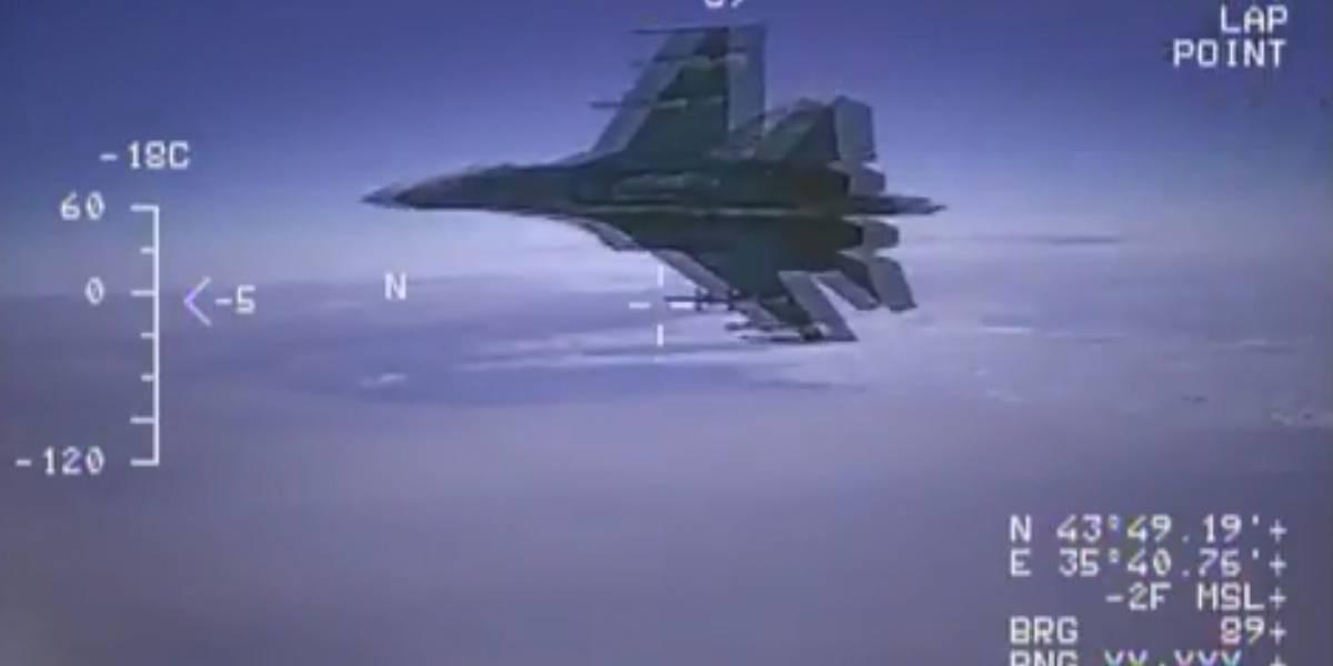 Alta tensión en el Mar Negro: caza ruso pasa volando a 1,5 metro de avión de reconocimiento de EEUU