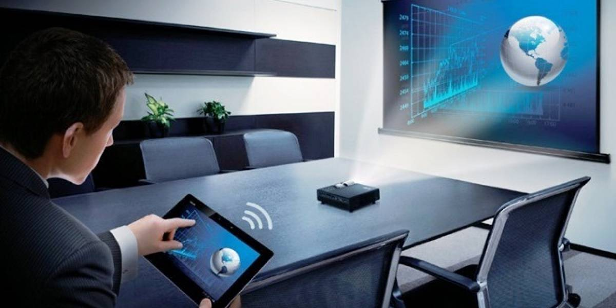 ASUS presenta su nuevo videoproyector LED inalámbrico portátil
