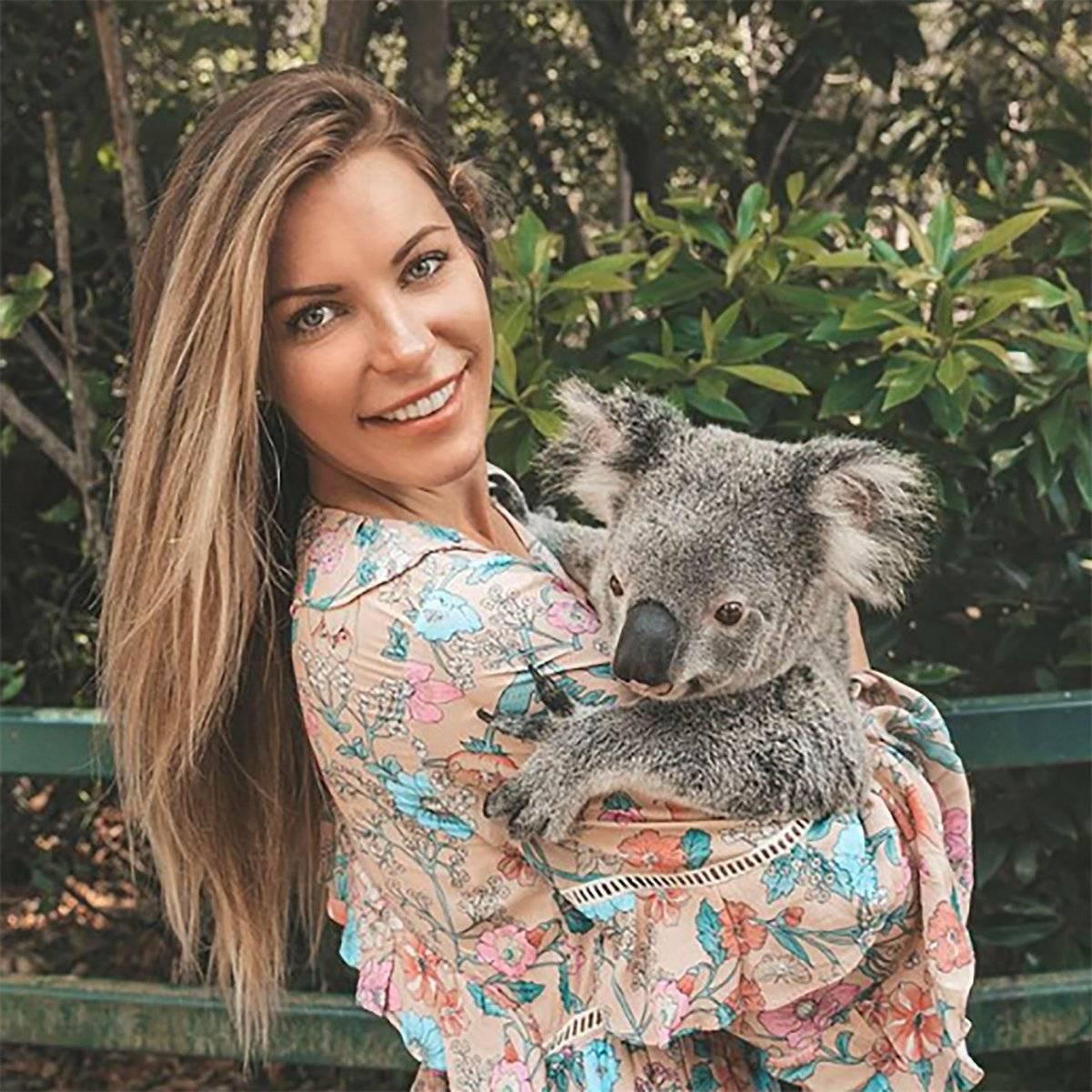 Crystal Harris, ha dejado atrás su vida de conejita de Playboy. Ahora, elige un bajo perfil, luce al natural y está dedicada a causas benéficas.