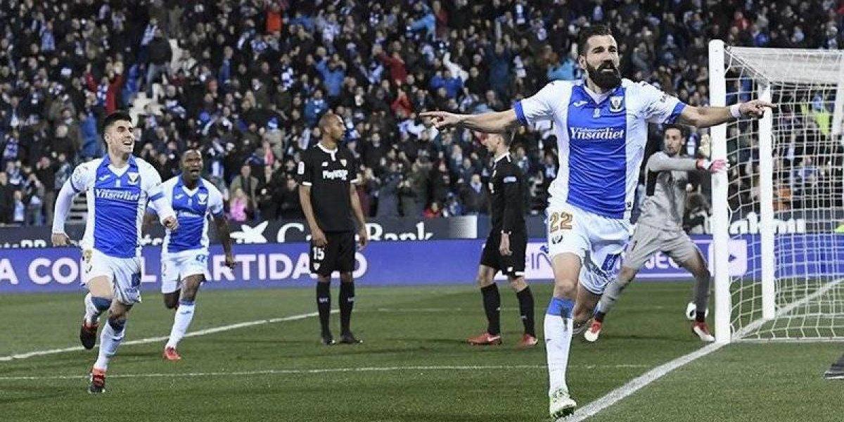 Miguel Layún vio desde la banca el empate del Sevilla en Copa del Rey