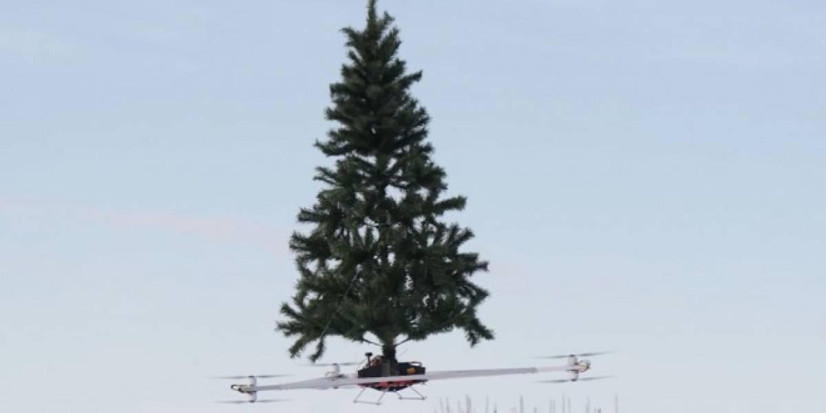 Montan árbol navideño sobre un dron para comprobar capacidades de vuelo