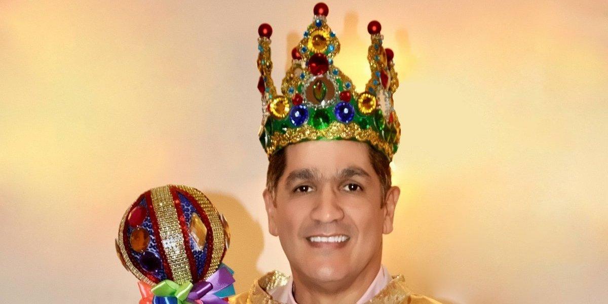 """Eddy Herrera coronado como el """"Rey Lechón"""""""