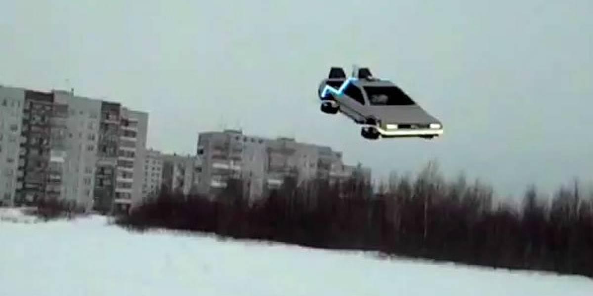 Cuadracóptero transformado en DeLorean surca los aires en Rusia sin usar plutonio