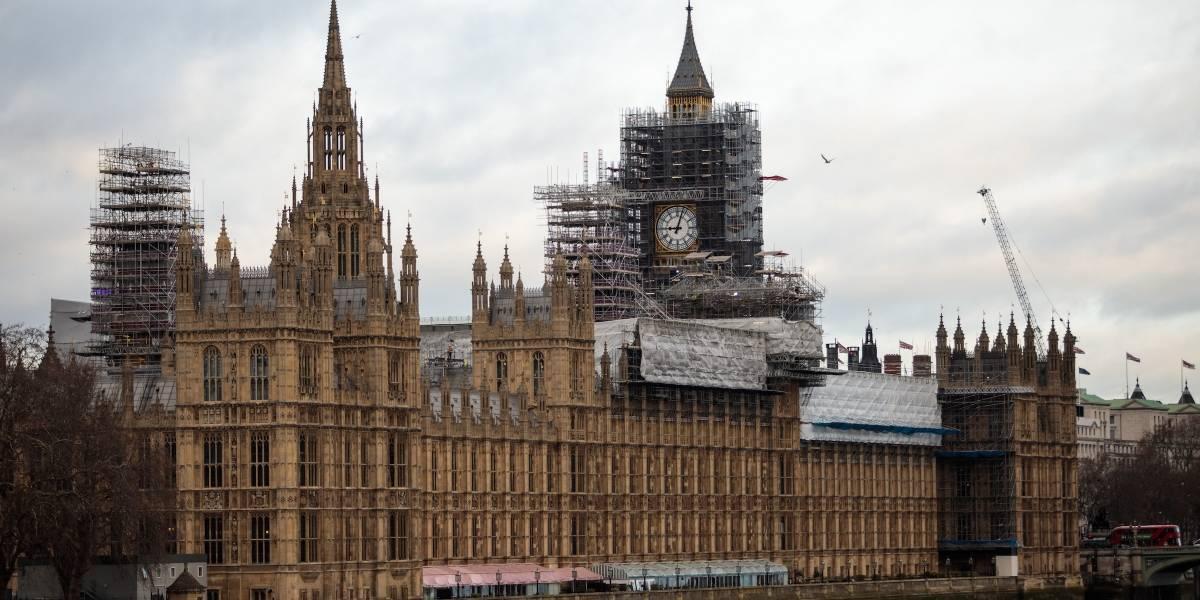 Parlamento británico en peligro, debaten abandonar edificio