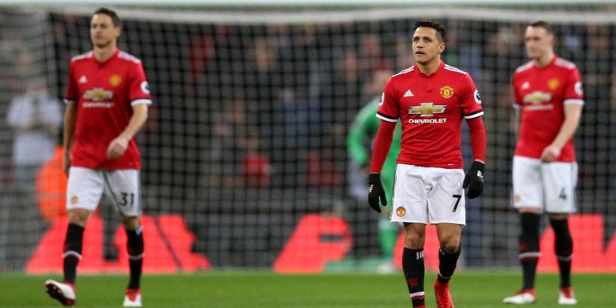 Alexis sufrió en su regreso a Londres con un Manchester United que pierde terreno en la Premier