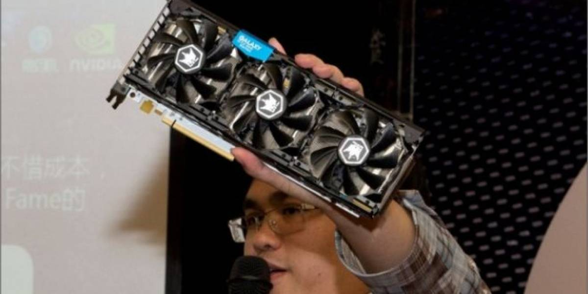 Galaxy Geforce GTX 680 Hall of Fame posa para la cámara