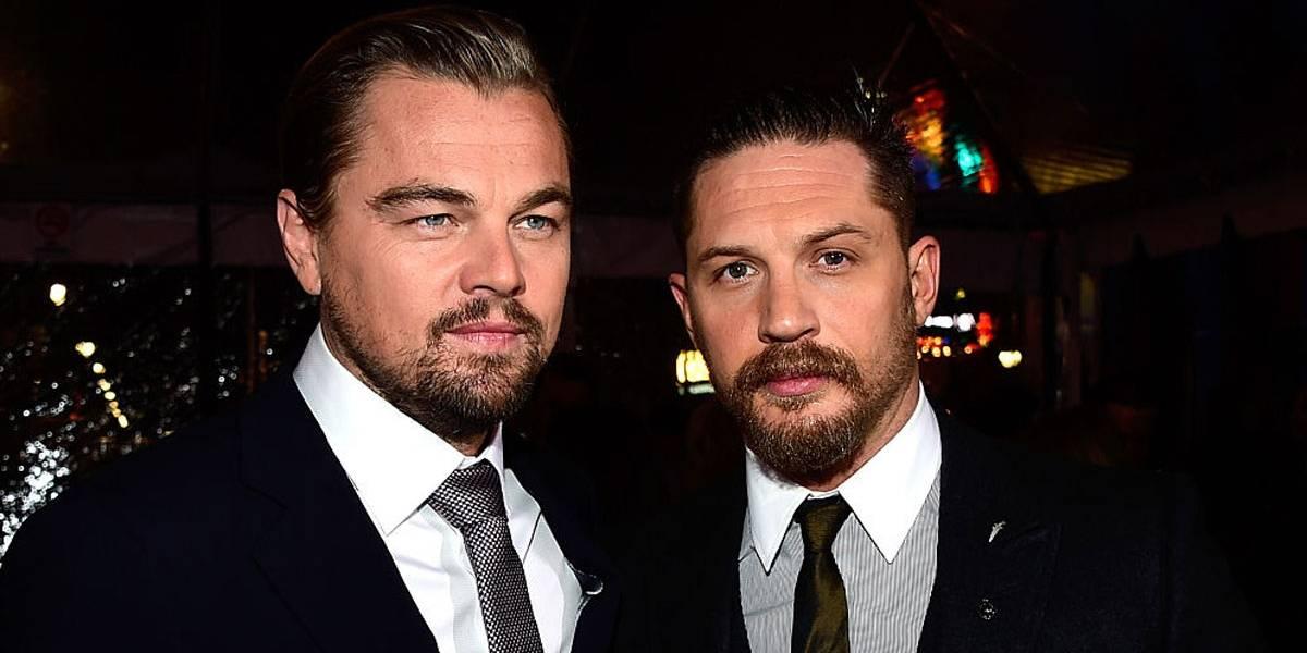 Veja a tatuagem um tanto tosca que Tom Hardy fez após perder aposta para Leonardo DiCaprio