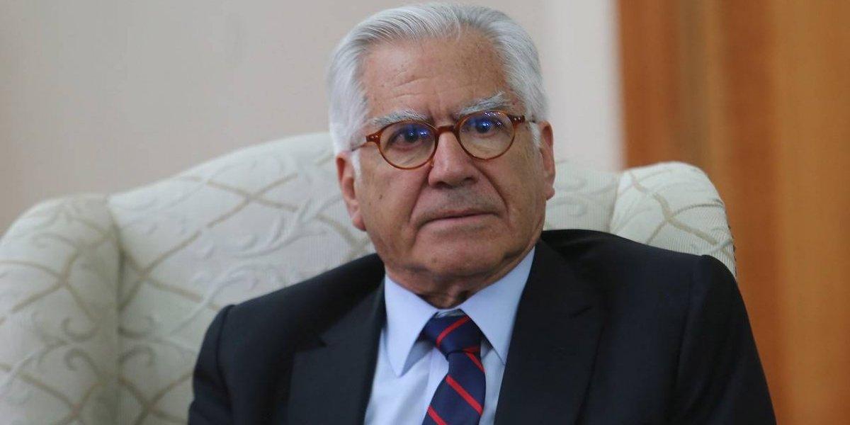 """Ministro Fernandez por """"Operación Huracán"""" afirma """"nunca se habló de renuncia"""" de Villalobos y apunta a responsabilidades penales"""