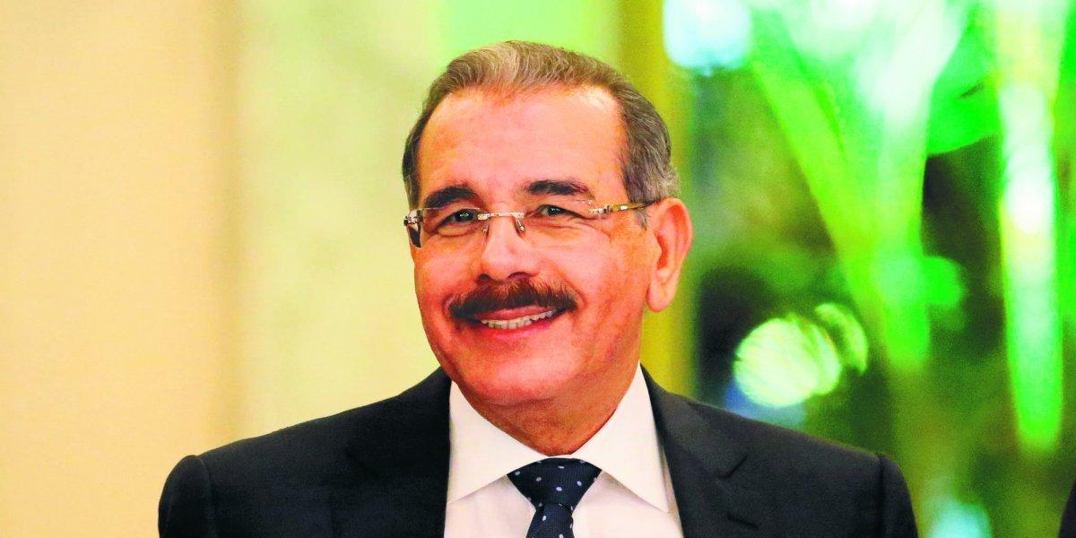 Danilo Medina felicita a los padres con motivo de su día