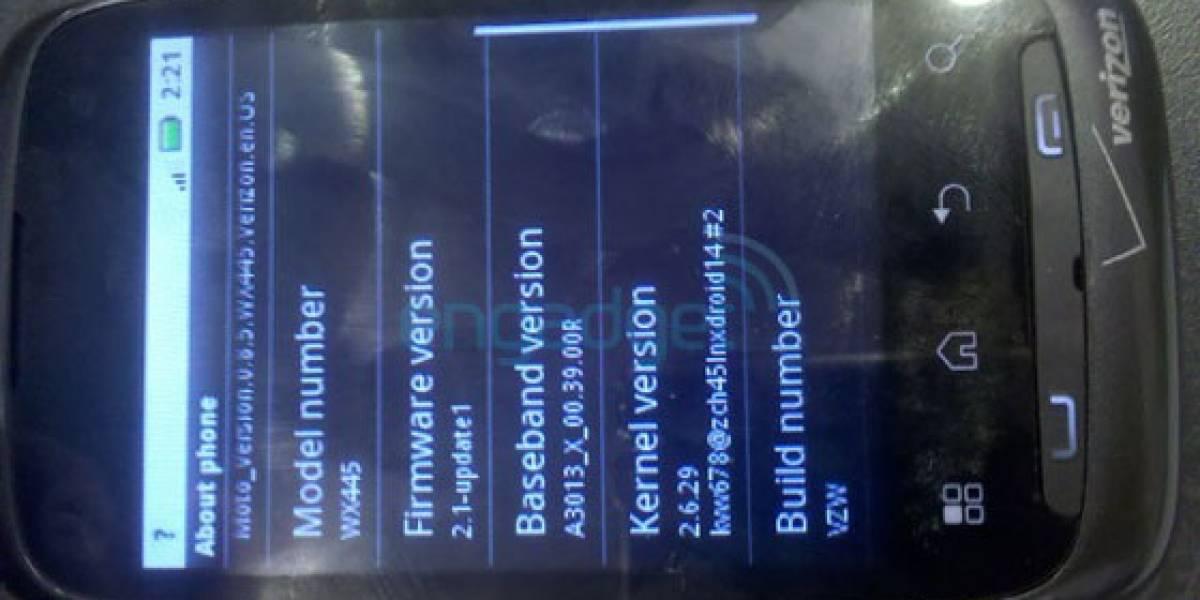 Motorola WX445: Un Android (2.1) económico