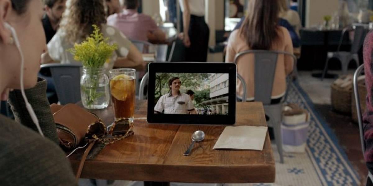 Encuesta de Netflix revela que a la gente le encanta ver su contenido en plena calle