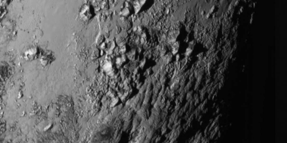 La NASA publicó un impresionante acercamiento de la superficie de Plutón