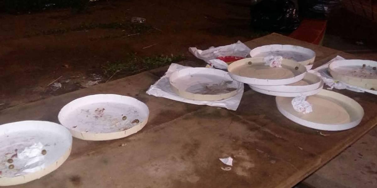 Após derrota no Canindé, torcida da Portuguesa protesta comendo pizzas do time