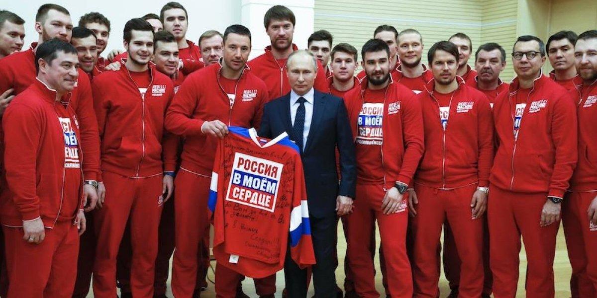 Putin pide perdón a atletas rusos por no poder defenderlos de acusaciones de dopaje