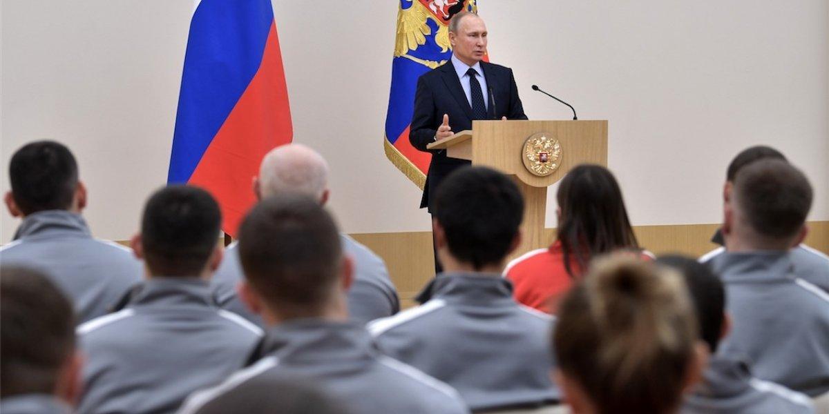 Vladimir Putin pide perdón a deportistas de su país por escándalo de dopaje