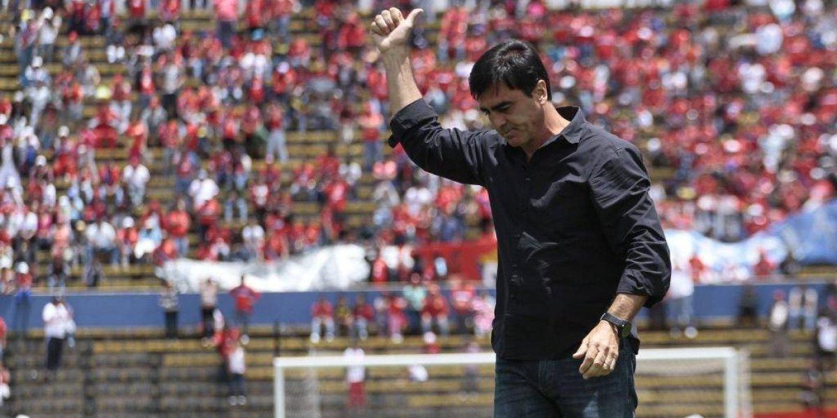 Al Nassr despidió a Gustavo Quinteros