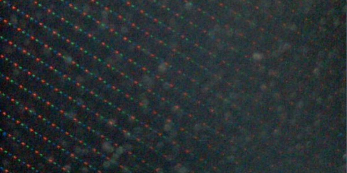 La pantalla del iPhone 4G bajo microscopio