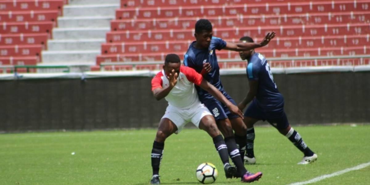 'Encontronazo' se registra en partido de Liga de Quito vs. El Nacional