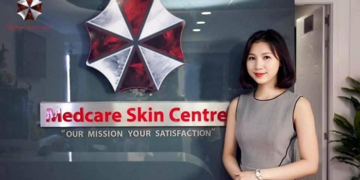 Una clínica dermatológica utiliza el logo de Umbrella Corporation